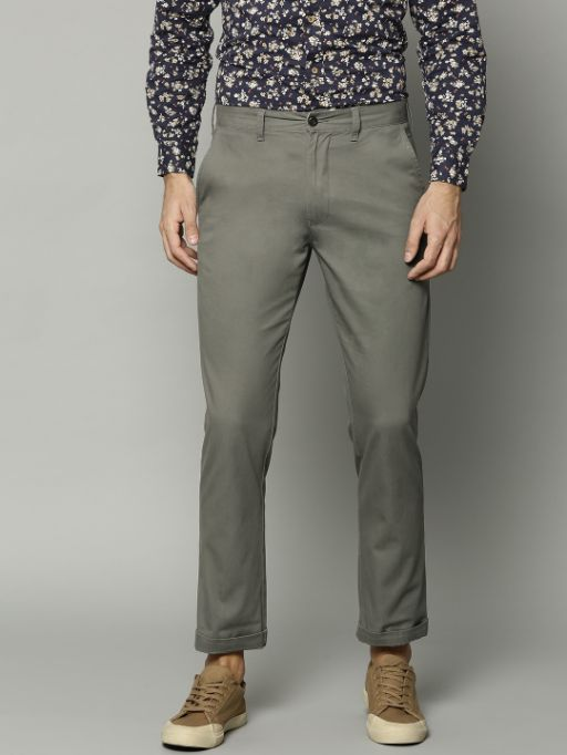 Men Green Straight Fit Solid Chinos